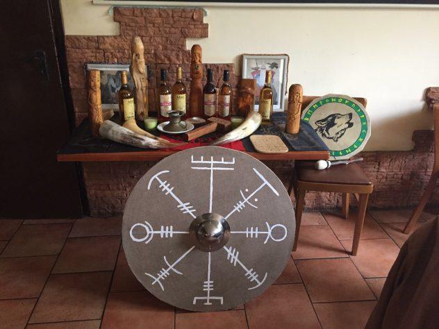 Schild, Met, Hörner - Eldaring