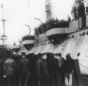 Noske begrüßt U-Boot-Besatzungen